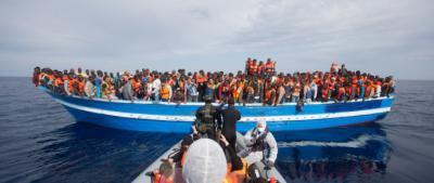 ¿A quién beneficia la gestión de las migraciones?