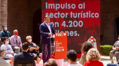 José Luis Ábalos interviene en el acto por el tercer aniversario del Gobierno del PSOE en Valencia.