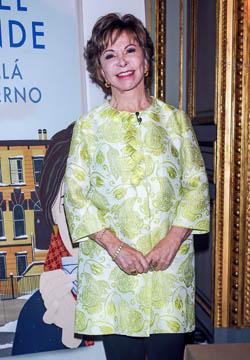 """Isabel Allende publica """"Más allá del invierno"""" su nueva novela"""