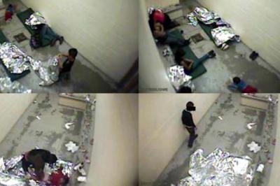 Imágenes de mujeres y niños en celdas de inmigración en Douglas, Arizona, en septiembre de 2015 y publicadas en 2016.Recogidas por Human Rights Watch