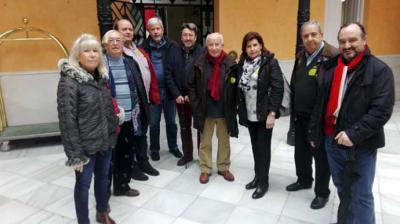 """Grupo de PeridodisTas de FEPET asistentes a la """"Feria del Embutido"""" de Llerena (Badajoz)"""