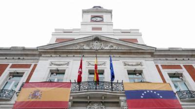 La Comunidad de Madrid califica de 'anécdota' el caso de la residencia que coló a familiares de trabajadores para ser vacunados