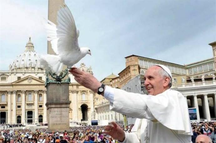 El Papa propone para el jueves 'un minuto de paz' por el mundo