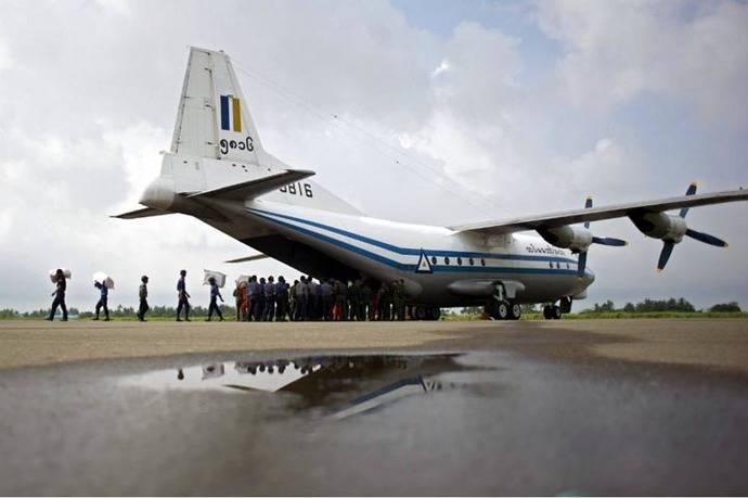 Avión de transporte Shaanxi Y-8 de la Fuerza Aérea de Birmaa (FOTO ARCHIVO)