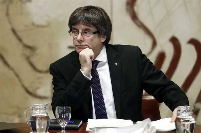 Puigdemont acusa a Madrid de haber preparado una 'oleada de violencia'