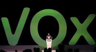 Vox celebra el primer aniversario de su relanzamiento político con la defensa de los Franco y una cascada de dimisiones