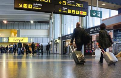La OMT y la IATA firman un acuerdo para restablecer la confianza en el transporte aéreo internacional