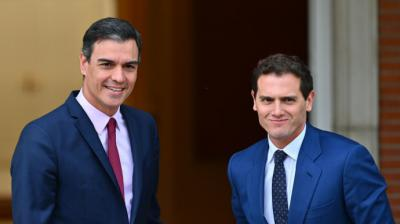 Albert Rivera promete 'oposición firme' a Sánchez y a costa del PP