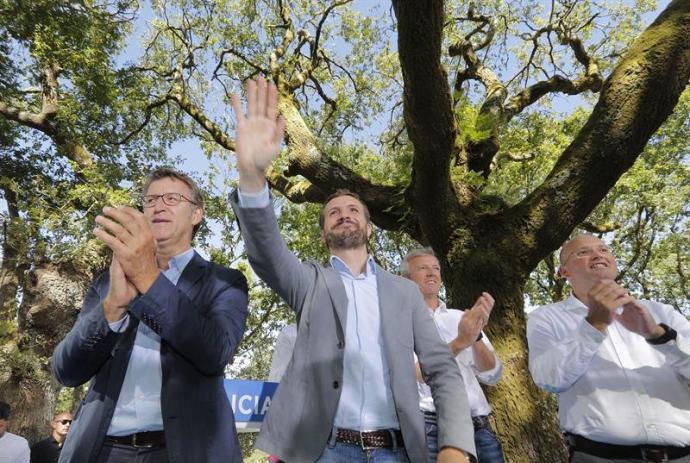 Feijóo recuerda a Casado que 'la suma en Galicia es el PP'