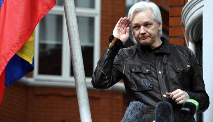Julian Assange se refugió en la embajada ecuatoriana en la capital británica en 2012 para evitar su extradición a Suecia