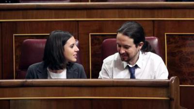 Montero e Iglesias, en sus escaños en el Congreso de los Diputados.