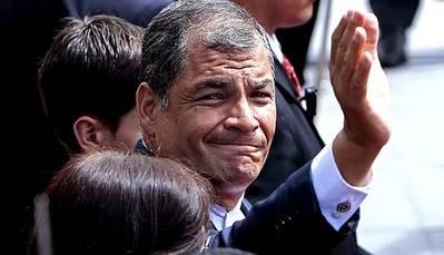 Ex presidente Correa se resiste a abandonar la primera línea política de su país