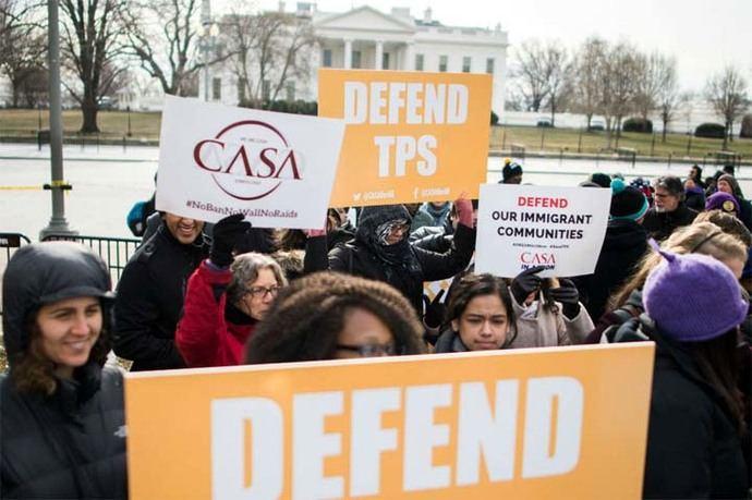 Manifestantes a favor del TPS en Washington.
