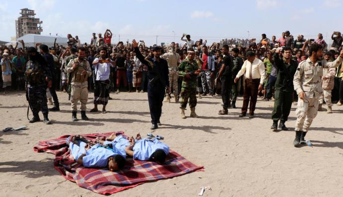 Dos pedófilos son ejecutados públicamente en Yemen por violar y asesinar a un niño