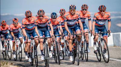 Juanjo Lobato lidera al Nippo-Vini Fantini-Faizanè en la Vuelta a Andalucía