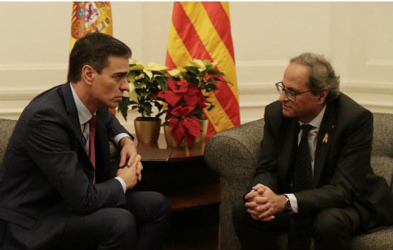 Gobierno español acusa a independentistas catalanes de rechazar el diálogo
