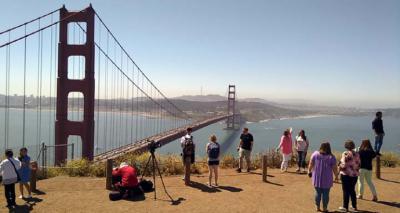 El Golden Gate cumple 81 años cruzando la bahía de San Francisco