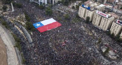 Chile cierra tercera semana como rehén de una ira social incontrolable en Santiago de Chile