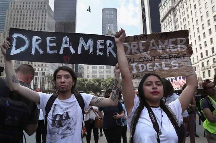 """El primer """"dreamer"""" deportado en febrero pasado es detenido en la frontera al intentar regresar a EEUU"""