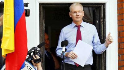 """Julian Assange: WikiLeaks denuncia """"extorsión"""" por fotos y videos de su fundador en la embajada de Ecuador en Londres."""