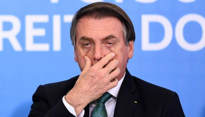 Jair Bolsonaro propone defecar día sí y día no...