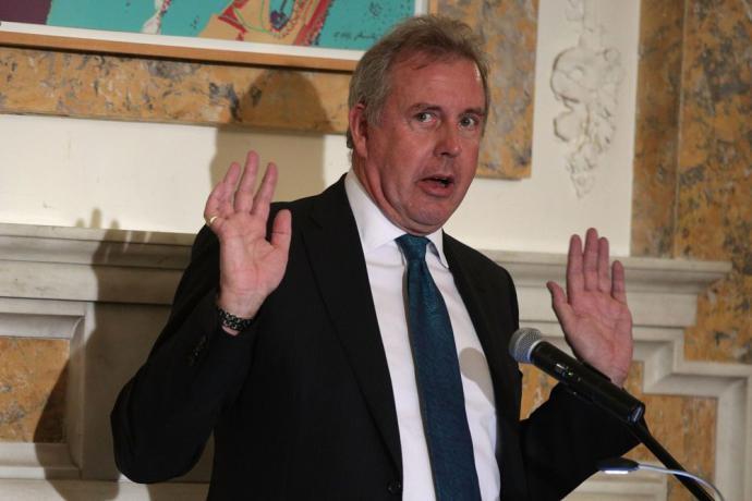 El Embajador británico en Washington, Kim Darroch.