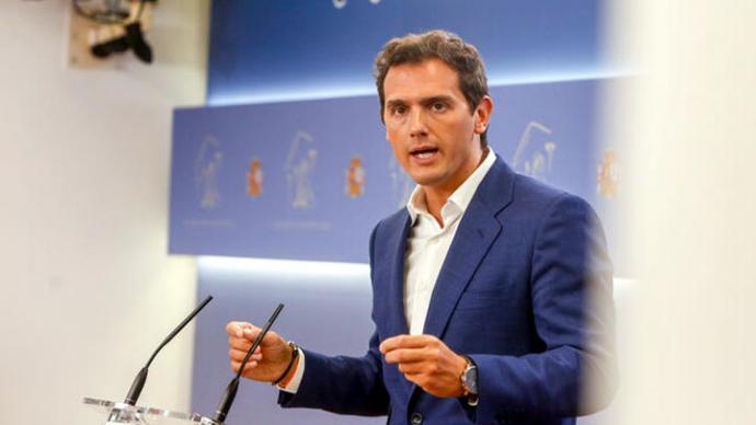 Rivera descarta sentarse con Abascal pero ofrece nuevas reuniones con Vox como la de Murcia, que no fue solo 'un café'