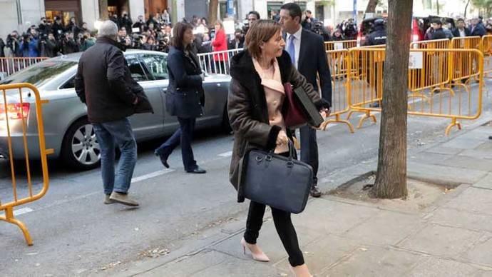 La presidenta del Parlamento catalán a prisión bajo fianza