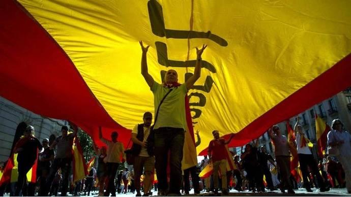Desde Madrid advierten contra declaración de independencia de Cataluña