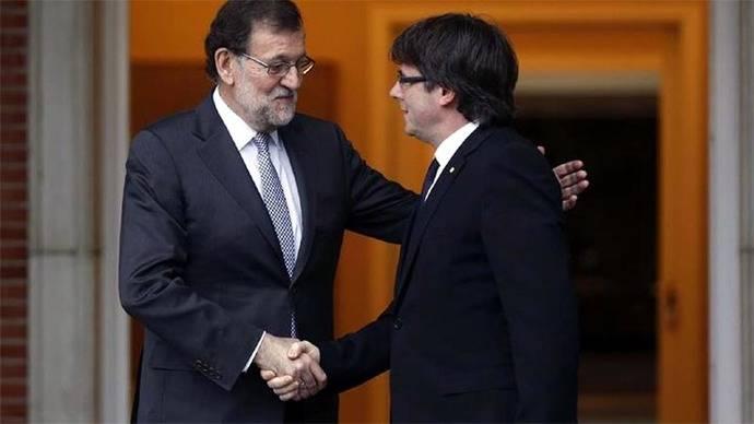 Mariano Rajoy y Carles Puigdemont en una imagen de archivo