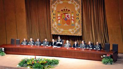 El Tribunal Constitucional lanzó una advertencia a más de un millar de altos funcionarios catalanes
