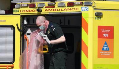 Reino Unido registra 917 muertos por coronavirus en un día y la cifra total sube a 9.875