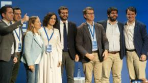 Pablo Casado, junto a los presidentes autonómicos del PP en una imagen de archivo.PP