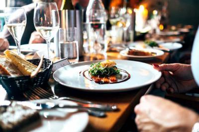 ¿Por qué celebrar una cena de empresa en Navidad?