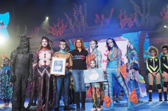 El grupo Loli Pérez logra el premio al Mejor Disfraz en el concurso Coreográfico del Carnaval de Santa Cruz de Tenerife.