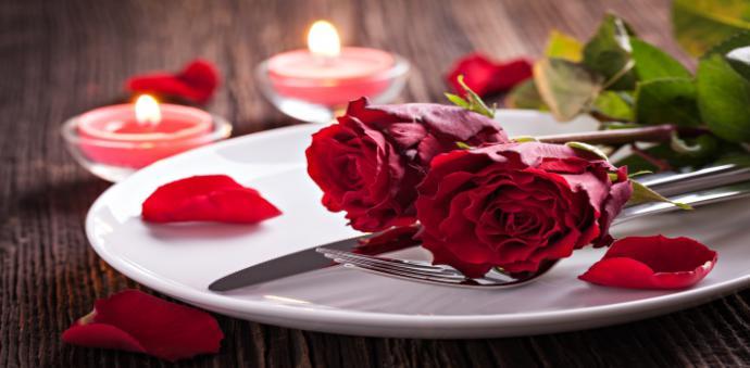 La mitad de los españoles celebrará San Valentín en un restaurante o marisquería