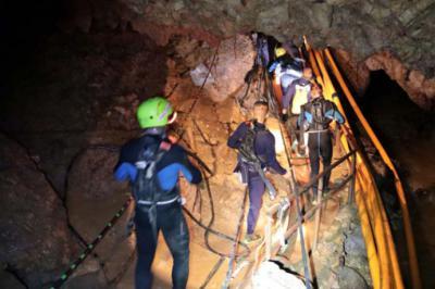 Así fue el rescate de los niños atrapados en cueva de Tailandia
