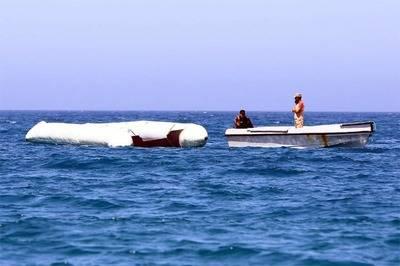 Diez muertos y decenas de desaparecidos en naufragio frente a Libia