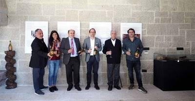 """Bodegas Marqués de Vizhoja inauguró la exposición """"Camilo José Cela. El elogio del vino de un Nobel"""""""