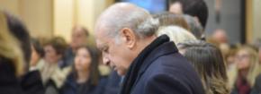 Fernández Díaz durante un oficio religioso (imagen de archivo)