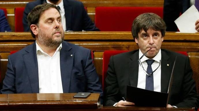 Puigdemont declara independencia y la suspende para dialogar