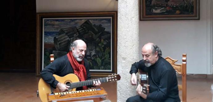 Un concierto de los Hermanos Lorenzo y Enzo Mancuso, hizo vibrar el museo F. Gregorio Prieto con su canto