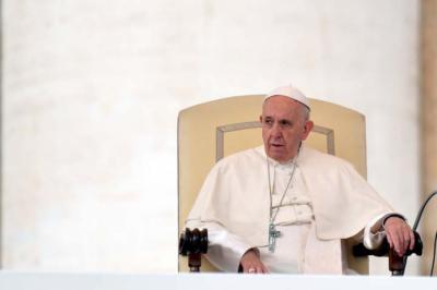 Papa Francisco asume 'graves equivocaciones' en caso de pedofilia en Chile