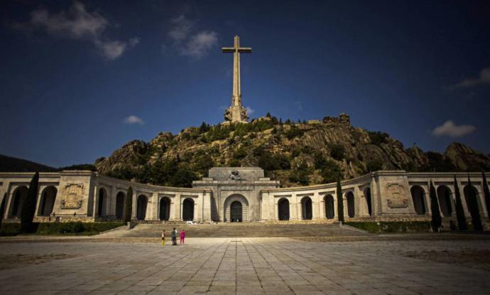 El Gobierno sacará a los benedictinos del Valle de los Caídos por decreto en cuanto apruebe la nueva Ley de Memoria