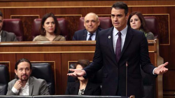 Sánchez tiende a Casado la mano para el diálogo durante la legislatura y le pide que deje de ser 'el eco de la ultraderecha'