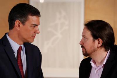 Iglesias y Sánchez constatan, en una conversación telefónica, que ninguno cede en sus condiciones para negociar