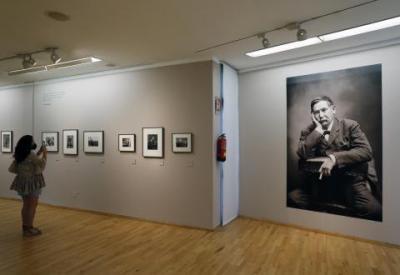 La Diputación acoge una exposición que recorre la vida y los escenarios de Benito Pérez Galdós