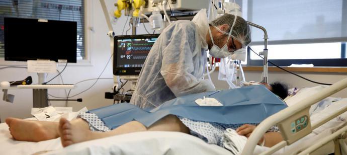La cifra diaria de muertes con coronavirus desciende hasta las 517, con el menor dato de nuevos contagios desde el 20 de marzo