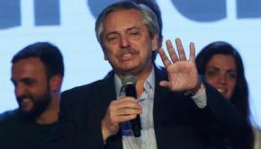 El candidato opositor de centroizquierdaAlberto Fernández