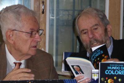 """Germán Ubillos: """"Mundo de colores"""", libro de relatos presentado en el café Madrid"""